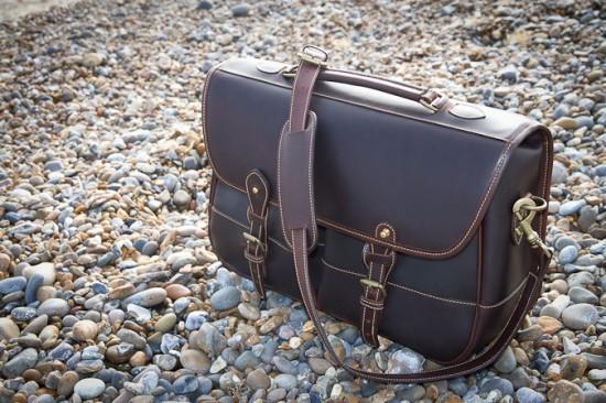 Clipper bag by the sea