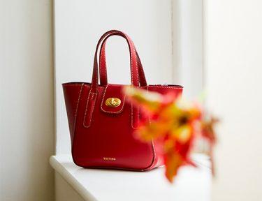 Mini-Twyford-Red-Flower-FtIm